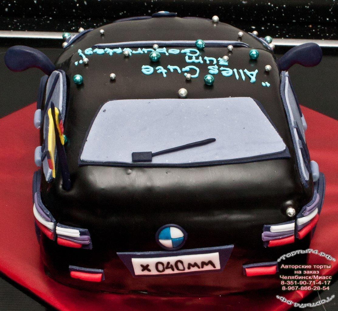 Праздничный торт торт в виде машины
